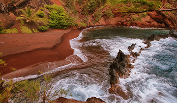 maui red sandy beach